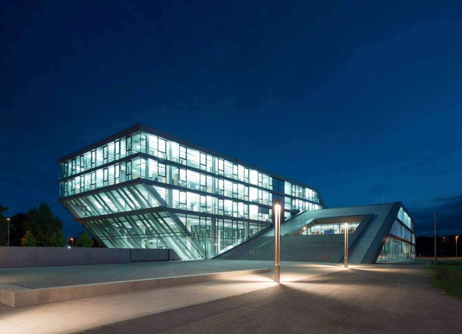 Laser Fassade2_Hahn & Kolb Ludwigsburg