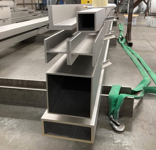 Sharp-corner-stainless-steel-profiles